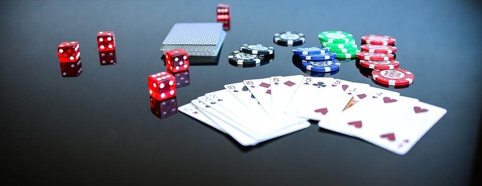 poker game play